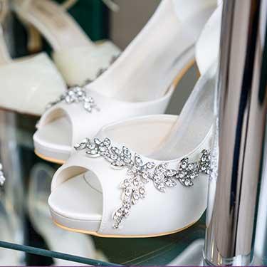 advance-warehouse-shipping-wedding-expo